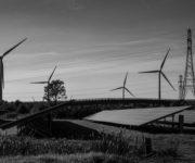 Фото: Міжнародна організація «Greenpeace» заявила: цифри вказують на те, що уряд повинен «перестати витрачати час та гроші на підтримку ядерної енергетики». Фотографія: Ендрю Айчісон / In Pictures / Corbis / Getty Images