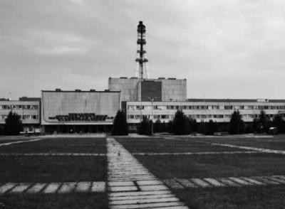 В місті Ігналіна в Литві встановлено реактор такого самого типу як в Чорнобилі. Вперше в історії одного з цих ровесників радянської ери, буде виведено з експлуатації.