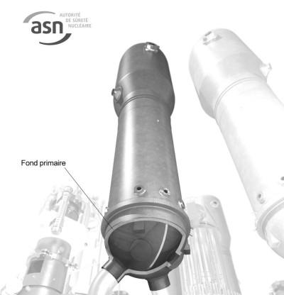 Голівка каналу парогенератора. Перевірки проводяться на кількох французьких парогенераторах, в яких сталь може містити неприйнятно високу концентрацію вуглецю. Джерело: ASN